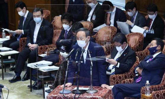 菅首相、緊急宣言延長 変異株への懸念も指摘「病床が逼迫」